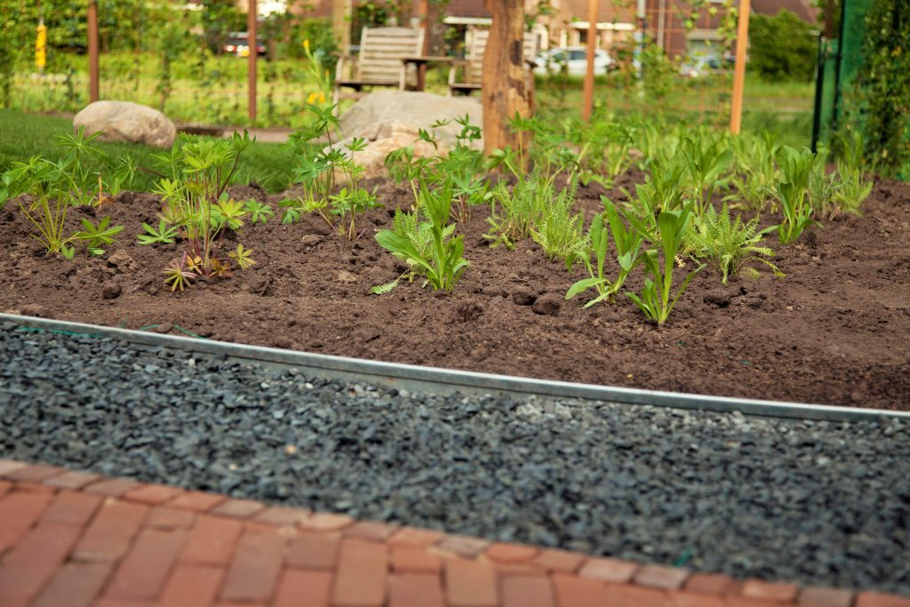 Beplanting, topkant, grind, bestrating